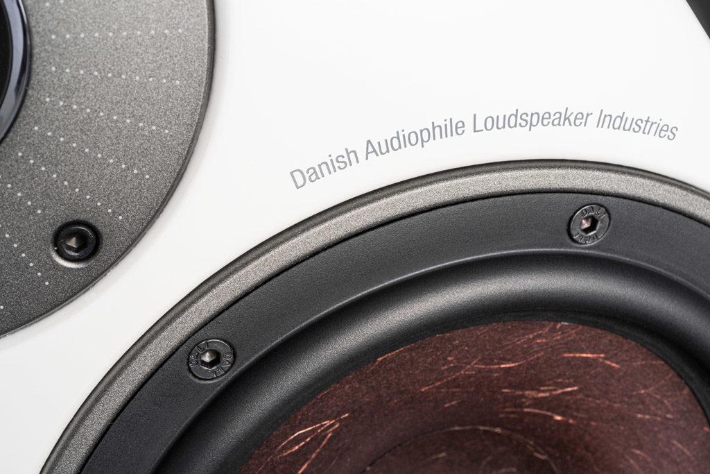 Die besonders weiche und flexible Gummisicke soll für knackigen Mitten und druckvollen Bass sorgen.