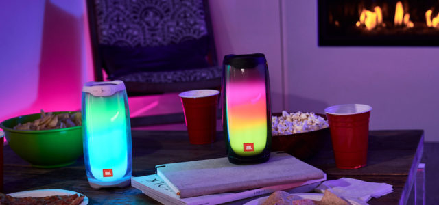 Der JBL Pulse 4: Licht, Sound und Party!