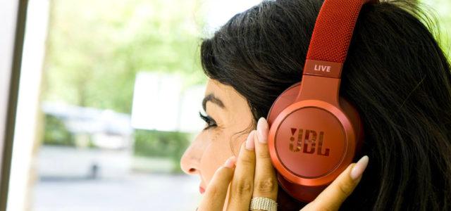 JBL Live 500BT: Over-Ears mit Alexa, Ambient Aware und TalkThru