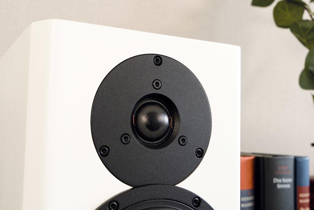Der Hochtöner der Xeo 20 trägt seinen Teil zum hervorragenden Klang der Dynaudio-Aktivboxen bei.