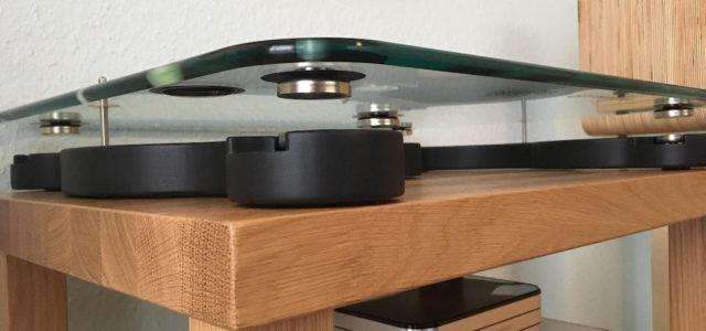 Übertragungsfreie Basis für Plattenspieler: S.A.P. Audio Relaxa 530 auf der World of HiFi in Neuss