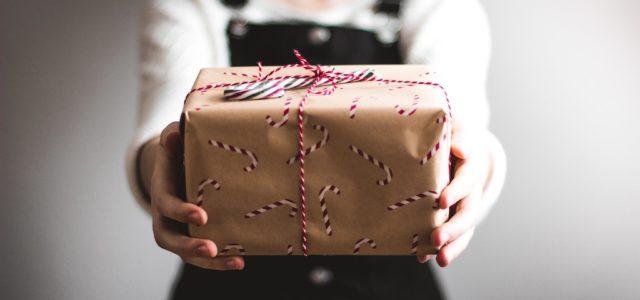 Elektronische und digitale Geschenkideen – so leuchtet es unter dem Weihnachtsbaum