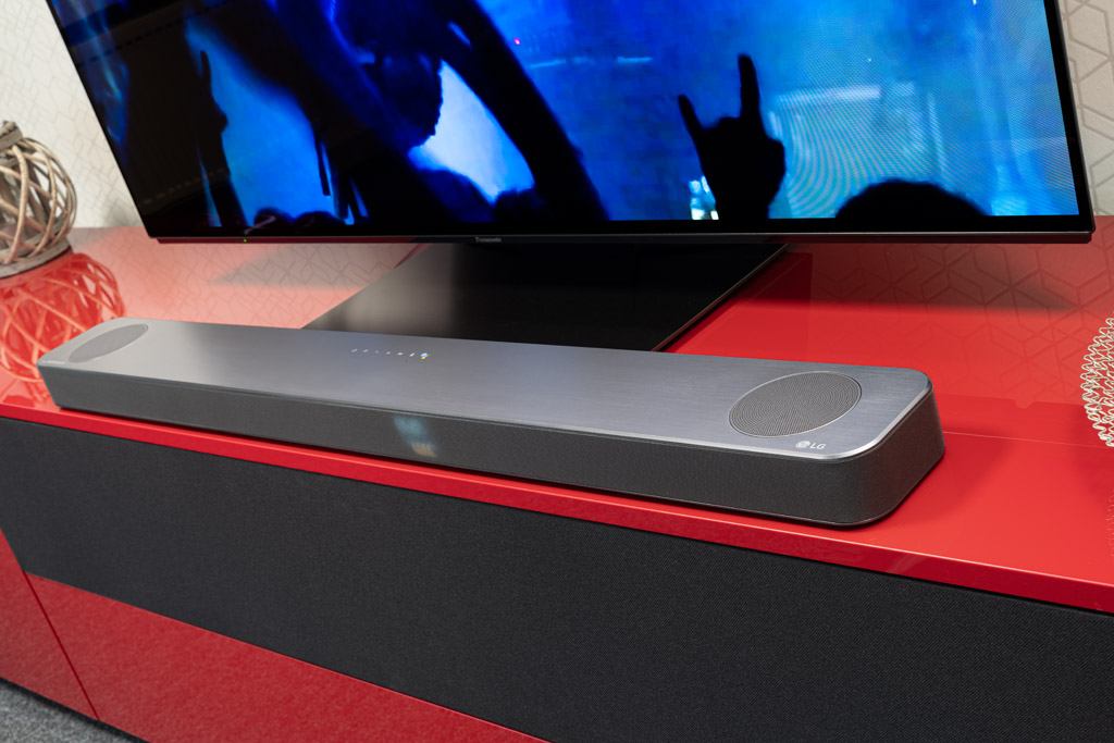 LG SL5YG: Klangstarkes Soundbar/Sub-Duo mit Surround-Upgrade