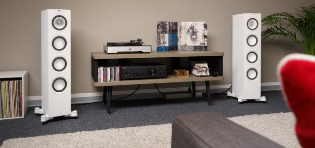 KEF Q550 –  bildhübsche, schlanke Klangsäule mit breiter Audiobühne