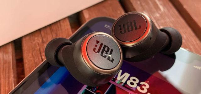 JBL Live 300TWS – Superleichte, superbequeme, superausgestattete Klangkünstler