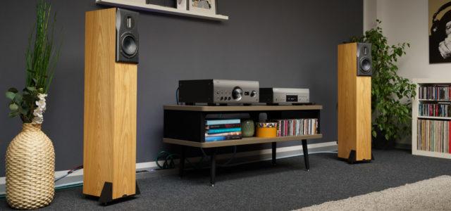 Neat Acoustics Ekstra – filigran gestylt, präzise abgestimmt, wunderschön vollendet