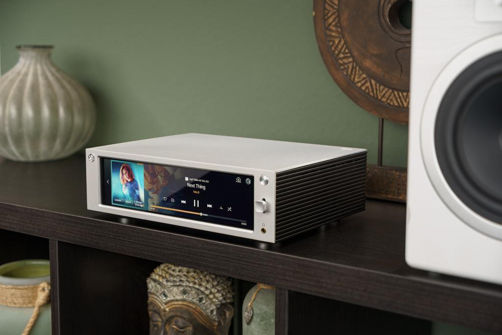 Der Rose RS201E ist ein attraktiver All-In-One-Player – insbesondere durch sein kompaktes Format und sein großes Display.