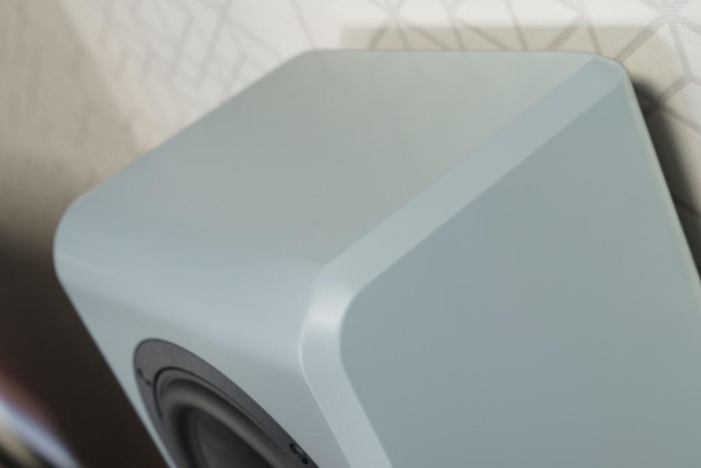 Die umlaufende Fase ist seit jeher ein Design-Markenzeichen von Inklang und zeichnet auch die Ayers Wall aus.