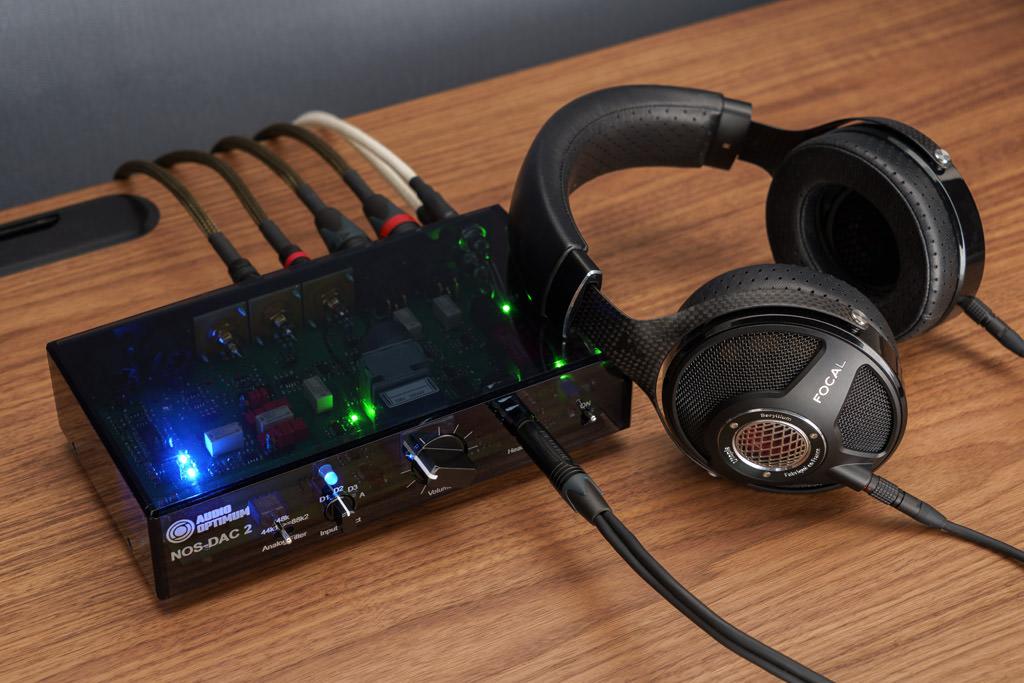 Der NOS-DAC 2 punktet neben seiner Wandler- und Vorverstärker-Funktion auch mit dem erstklassigen Kopfhörer-Ausgang.