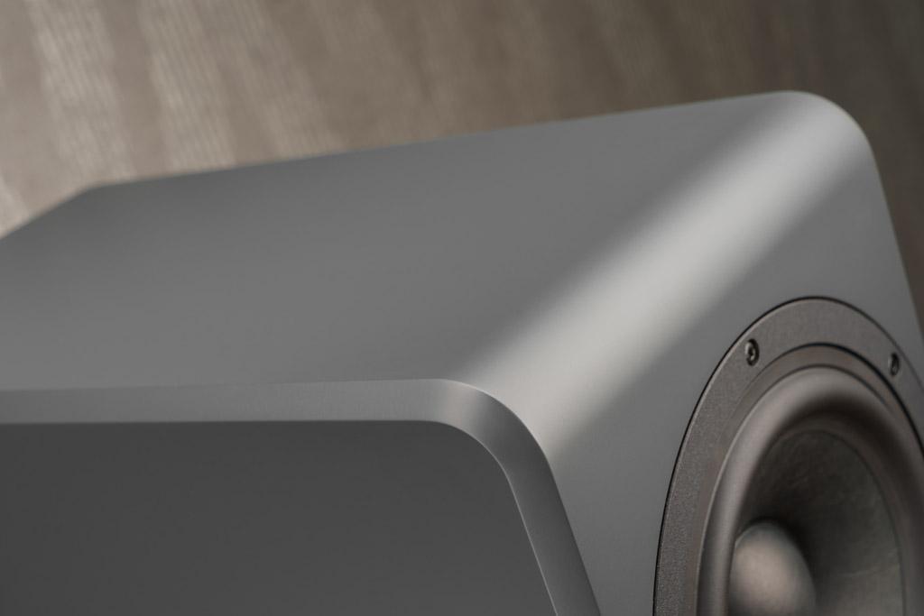 Die umlaufende Fase der Ayers Five sorgt für einen geschmeidigen Übergang an den Kanten und beschert zugleich einen hohen Wiedererkennungswert: Die Fase seit jeher das Design-Markenzeichen von Inklang.
