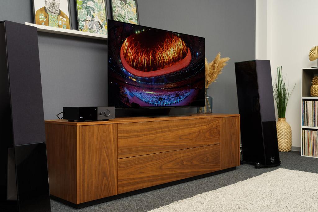Dank seines HDMI-Ports gibt der TDAI-1120 ebenso den Film- und Fernsehton wieder und sorgt dafür, dass der Home-Cinema-Abend auch akustisch zum Event wird.